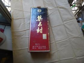 历史名酒:(九十年代梨花村粮液)一瓶 原装.包装完整