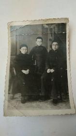 民国照片(解放初)三口之家