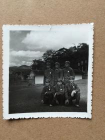 七十年代 解放军参观古田会议会址合影