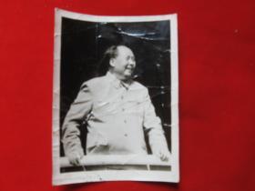 老照片毛主席在天安门楼1枚