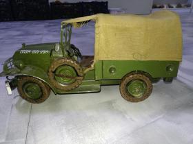 高度仿真美军军用汽车模型。值得收藏。重量1304克