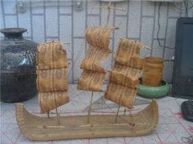 用一分钱纸币叠制的帆船【长40厘米,宽10厘米,高37厘米】