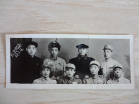 1953年 军人合影临别纪念(照片上有折印)