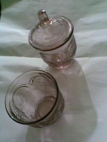 囍字玻璃杯(双喜龙凤老玻璃罐。一个带盖,一个无盖。两个杯,可单买)
