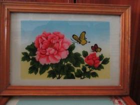 七、八十年代蝴蝶牡丹玻璃画,,品如图,似是手工绘制,经典怀旧93