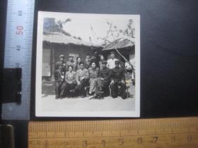 中国人民抗美援朝战争慰问团在朝鲜合影留念老照片