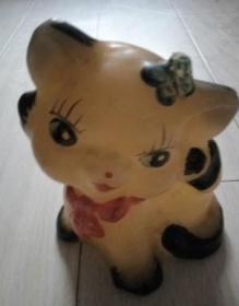 蜡制彩绘小花猫玩具小摆件。