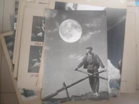 著名军旅摄影家 曹文 七八十年代摄影作品 戴月归