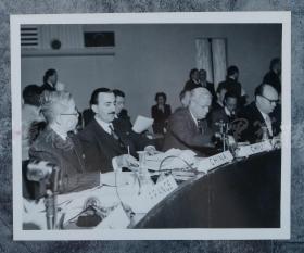 王世杰 联合国老照片一张HXTX100742