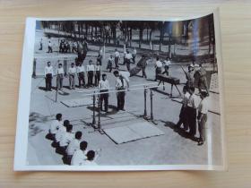 超大尺寸:1972年,装甲兵警通连,体育训练