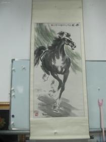 中央美术学院中国画研修班王墨石1999年国画作品一幅奔马 《雄风》中心尺寸123/62公分,原装裱立轴,保真保老!