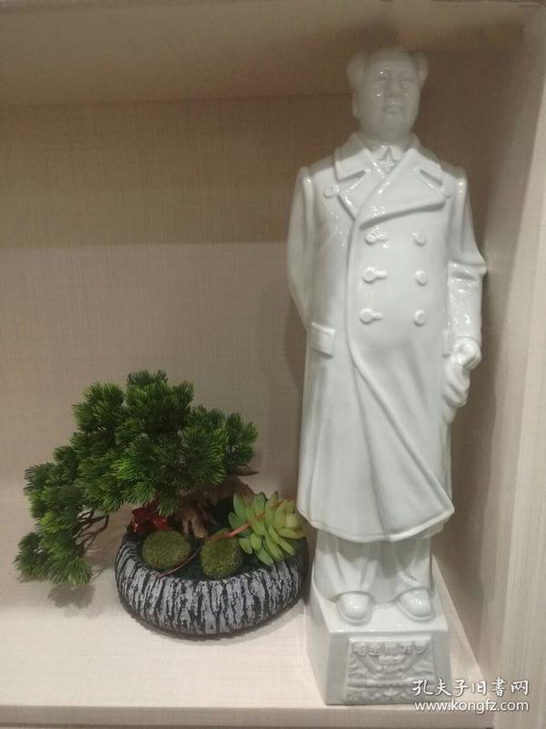 正宗文革德化窑毛主席白瓷立像