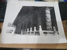 大幅黑白老照片----龙柱