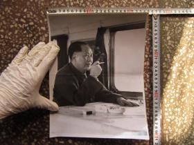毛主席抽烟大尺寸文革老照片,新华书店流出的库存货,包老包真!