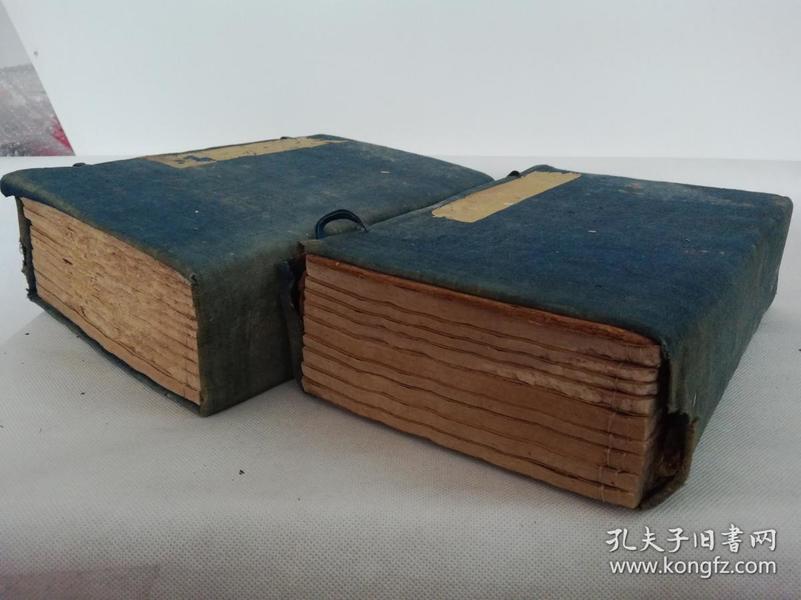 清中期殿版复刻,白纸《钦定诗经传说纂》2函20册全。该书大量图文版画,手写上板,刻印精美!开本硕大