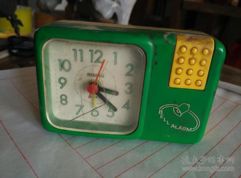 塑料外壳,老旧表。闹钟一个