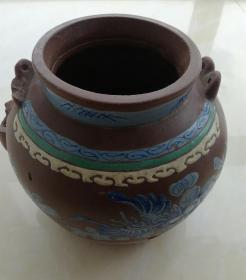 罕见清乾隆年间蓝花美饰紫砂壶