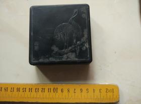老墨盒。材料硬塑料。