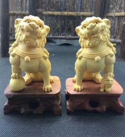 黄杨木雕狮子摆件一对雌雄招财汽车饰品雕刻工艺品文玩手把件