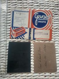 【珍罕】老玻璃底片 1933年 外国人 2块 带 原 GEVAERT 公司 底片封 并有外国人字迹 非常漂亮 玻璃厚1毫米 泛银严重