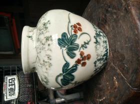 早期手绘釉下草花纹彩瓷罐