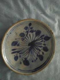 明代菊花瓷盘直径12厘米