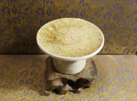 古玩文玩收藏类:宋 景德镇影青老瓷片杯托工艺品 Y-0004 直径7.4cm左右 高4.3cm左右 实物图片 买家自鉴