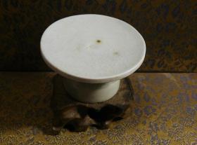 古玩文玩收藏类:宋 景德镇影青老瓷片杯托工艺品 Y-0002 直径7cm左右 高4.2cm左右 实物图片 买家自鉴