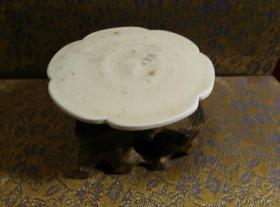 古玩文玩收藏类:宋 景德镇影青老瓷片杯托工艺品 Y-0019 直径8.4cm左右 高1.7cm左右 实物图片 买家自鉴