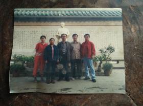 90年代开封雾中教师在九江白居易纪念馆留影