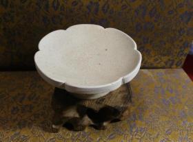 古玩文玩收藏类:宋 景德镇影青老瓷片杯托工艺品 Y-0011 直径8cm左右 高3.4cm左右 实物图片 买家自鉴