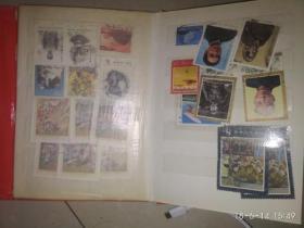 一本邮票册 带一轮生肖票 就是没有猴和鸡  全部邮票中国邮票外国邮票都有照片 一共178张