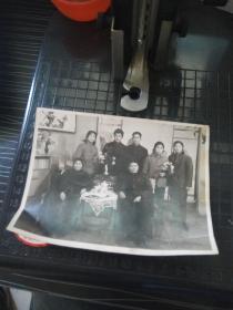老照片--七八十年代全家福