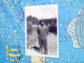 老照片;桥边人物