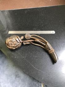 早期手工雕刻荷花莲藕造型如意摆件 牛角材质