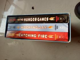 The Hunger Games、Mockingjay 、Catching Fire by Suzanne Collins 饥饿游戏 全三册 英文原版 正版现货