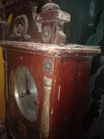 三环牌老木钟,怀念经典,70-80年代嫁妆品,马塑像山东鄂城出厂的法条自转钟一个,品在6品左右,基本可以运行,旋转,但是过个几天容易走快,需要专业收藏者,内胆调整,