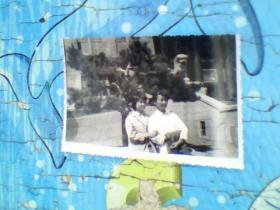 老照片;80年代两个美女