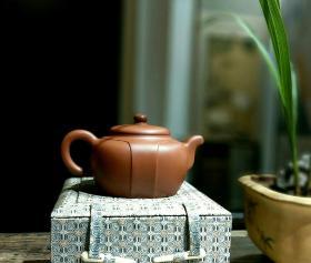宜兴全手工名家朱鸿钧正品紫泥清水泥紫砂壶龙带壶
