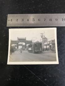 民国时期北平东四牌楼街景老照片