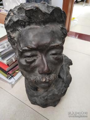 新中国第一代女雕塑家;铜雕塑  著名雕塑家  张德华 ,重约20斤多,高43公分
