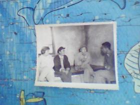 老照片;70年代下乡到农户家