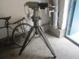 libec利拍  TH-2000 三角架 三脚架    PANASONIC松下 AW-PH300AE 广播级摄像机     佳能YH16X7 广播级摄像机镜头