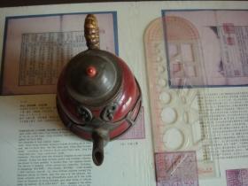 钟型红釉瓷包锡壶