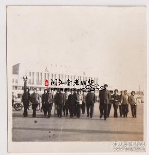 【任6件包邮挂】老照片收藏 大连火车站留影 5.4*5.6cm
