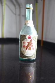 伊疆春酒酒瓶
