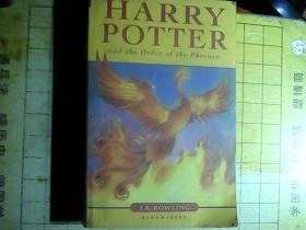 英文原版:Harry Potter and The Order of the Phoenix(哈利波特与凤凰令)