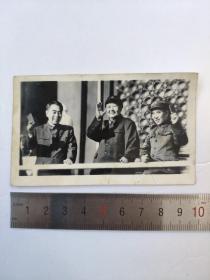 文革毛主席林彪周恩来三人天安门冲洗黑白老照片