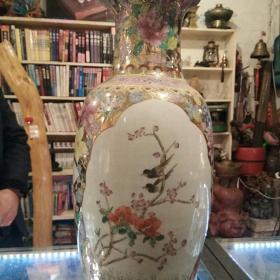 瓷花瓶《百鸟朝凤》寓意深远,品相完整如图