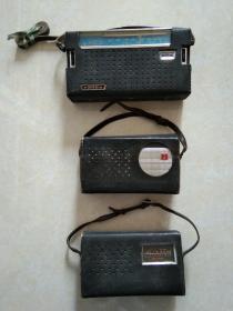 经典老收音机三种【熊猫  B-802-1、春雷 4-晶体管收音机(为人民服务)、春雷5-晶体管收音机】